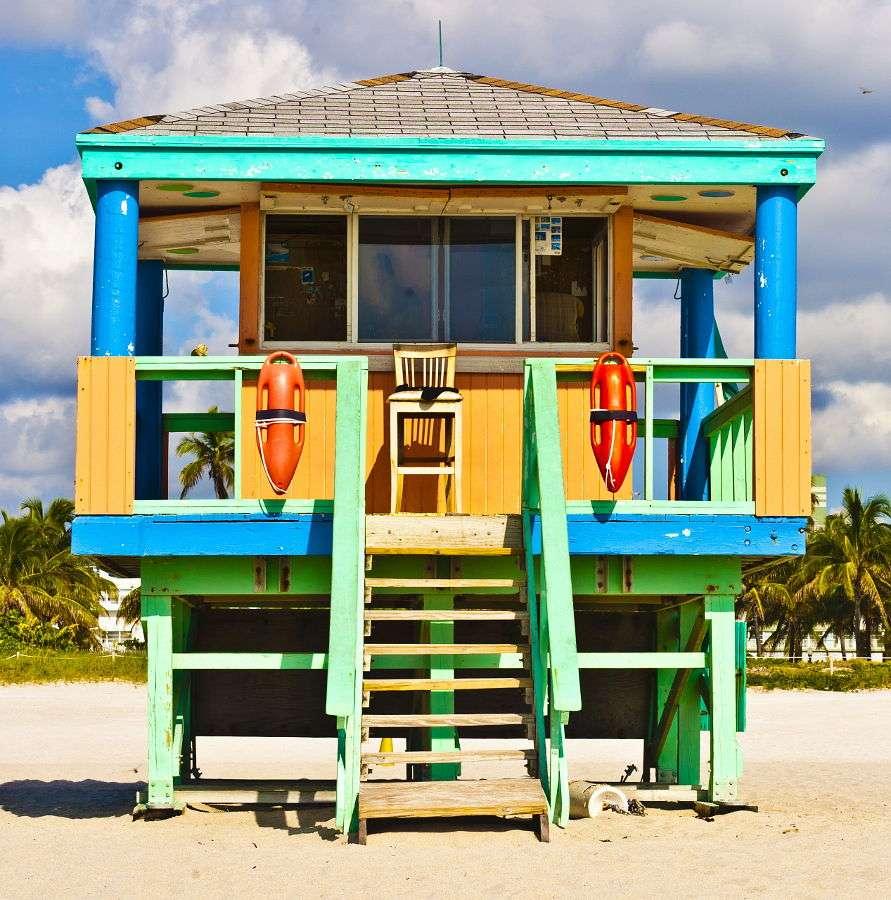 Wieża ratownika na plaży w Miami (USA) -  (11×10)