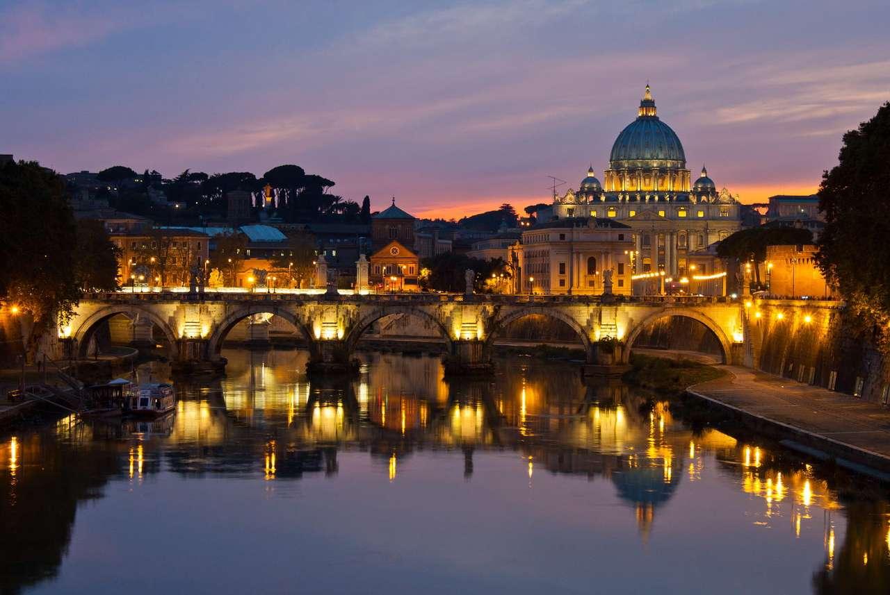 Panorama Rzymu po zmierzchu (Włochy)