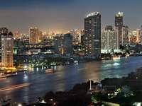 Panorama Bangkoku o zmierzchu (Tajlandia)