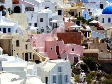 Charakterystyczna zabudowa Santorini (Grecja)