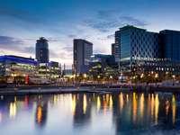 Media City na nabrzeżu Salford (Wielka Brytania)