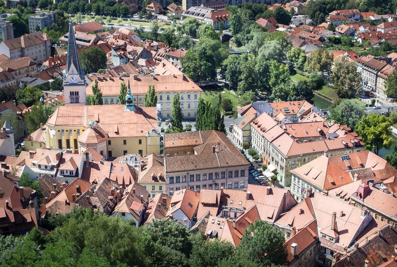 Lublana (Słowenia) - Lublana jest stolicą i jednocześnie największym miastem Słowenii. Jej historia sięga czasów prehistorycznych, a pierwsze pisane wzmianki o tym mieście pochodzą z wczesnego średniowiecza. W 15 (16×11)