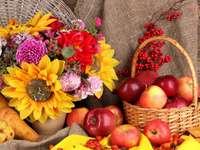 Jesienna martwa natura z jabłkami puzzle