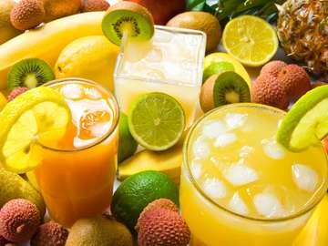 Świeże soki owocowe