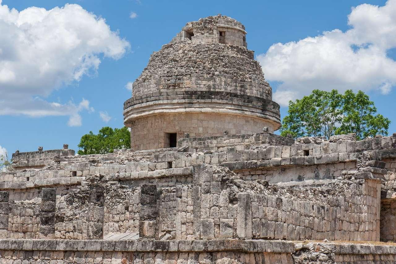 Starożytne obserwatorium El Caracol (Meksyk) - El Caracol to starożytne obserwatorium astronomiczne położone w prekolumbijskim mieście Chichén Itzá, zbudowanym przez cywilizację Majów. Nazwa tego obiektu pochodzi z języka hiszpańskiego i (9×7)