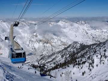 Kolejka linowa w ośrodku narciarskim Snowbird (USA)