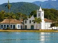 Kościół w stylu kolonialnym w Paraty (Brazylia) puzzle ze zdjęcia