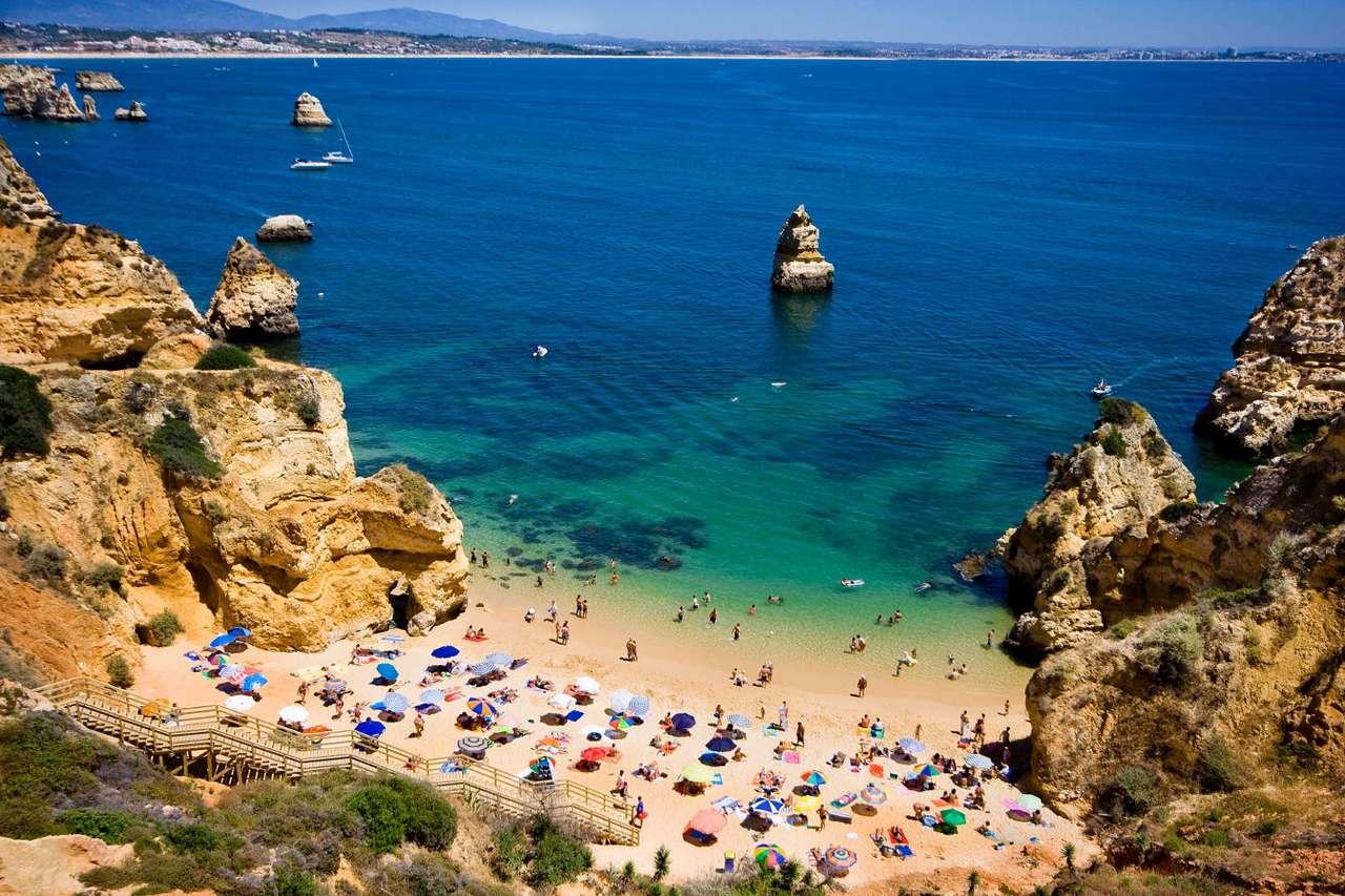 Plaża między skałami w Algarve (Portugalia) puzzle