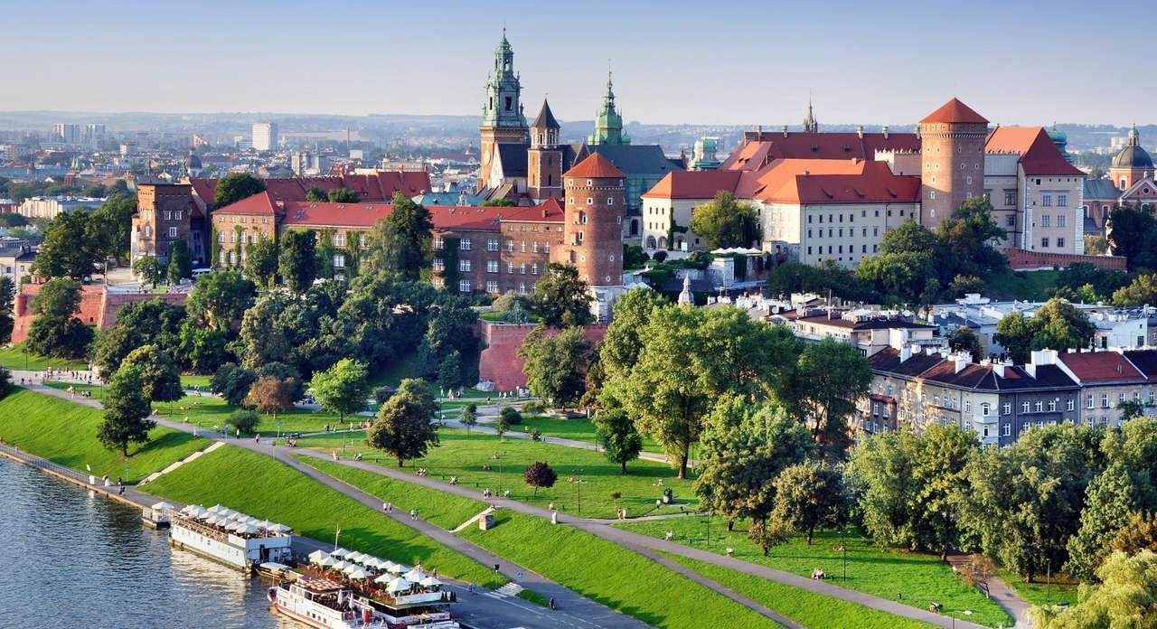 Zamek Królewski na Wawelu - W Zamku Królewskim na Wzgórzu Wawelskim w Krakowie swą siedzibę mieli dawni władcy Polski. Historia budowli sięga najprawdopodobniej XI wieku. Za czasów panowania króla Władysława Łokietka, (8×5)