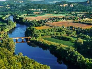 Most na rzece Dordogne (Francja)