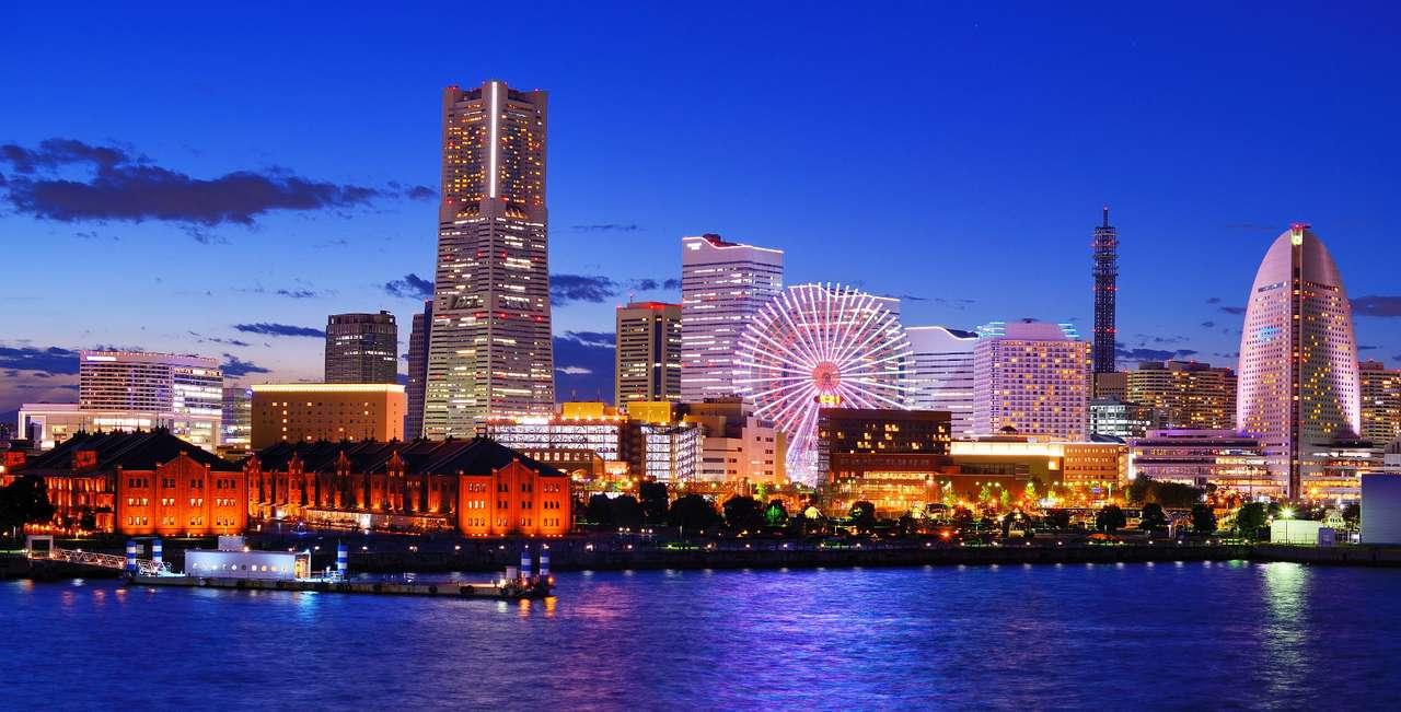 """Minato Mirai w Jokohamie (Japonia) - Jokohama to wielkie japońskie miasto oraz centrum przemysłowe i komunikacyjne kraju, położone na wyspie Honsiu. Nowoczesna dzielnica Minato Mirai 21 (""""Port Przyszłość 21"""") została wybudowa (9×4)"""