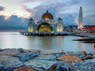 Meczet na wyspie Malakka (Malezja)