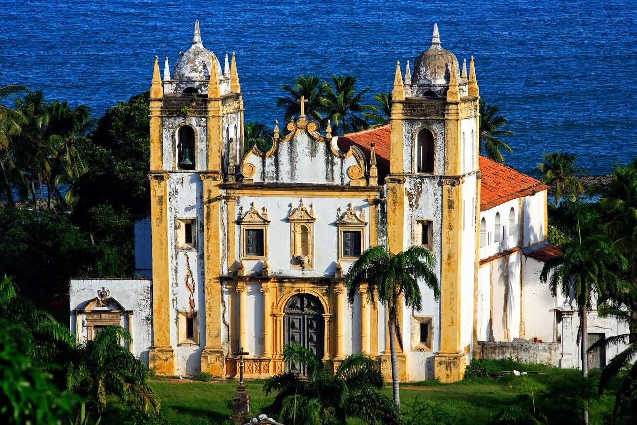 Bazylika Matki Bożej z Góry Karmel w Recife (Brazylia) - Bazylika Matki Bożej z Góry Karmel usytuowana jest w mieście Recife, portowym mieście w północno-wschodniej Brazylii. Bazylika została wybudowana 1767 r., choć jej budowa rozpoczęła się nie (11×7)