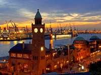 Port w Hamburgu (Niemcy)