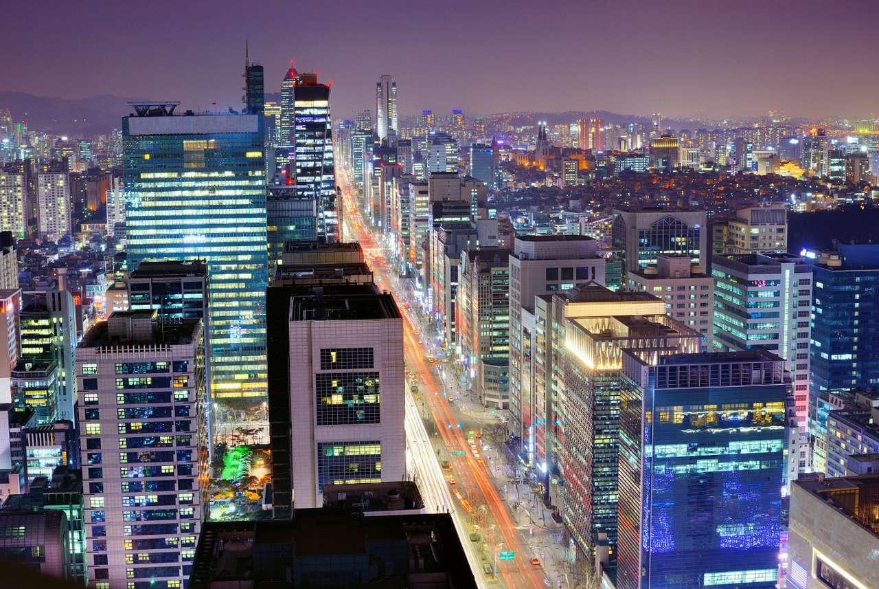 Dzielnica Gangnam w Seulu (Korea Południowa) - Gangnam to jedna z największych i zdecydowanie najbogatsza dzielnica stolicy Korei Południowej, Seulu. Stanowi centrum finansowe i ekonomiczne nie tylko stolicy, ale całego kraju, jednak rozgłos z (8×5)