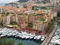 Port w Fontvieille (Monako)