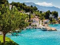 Malownicza wioska nieopodal Splitu (Chorwacja)