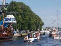 Statki i jachty wpływające do portu w Darłowie