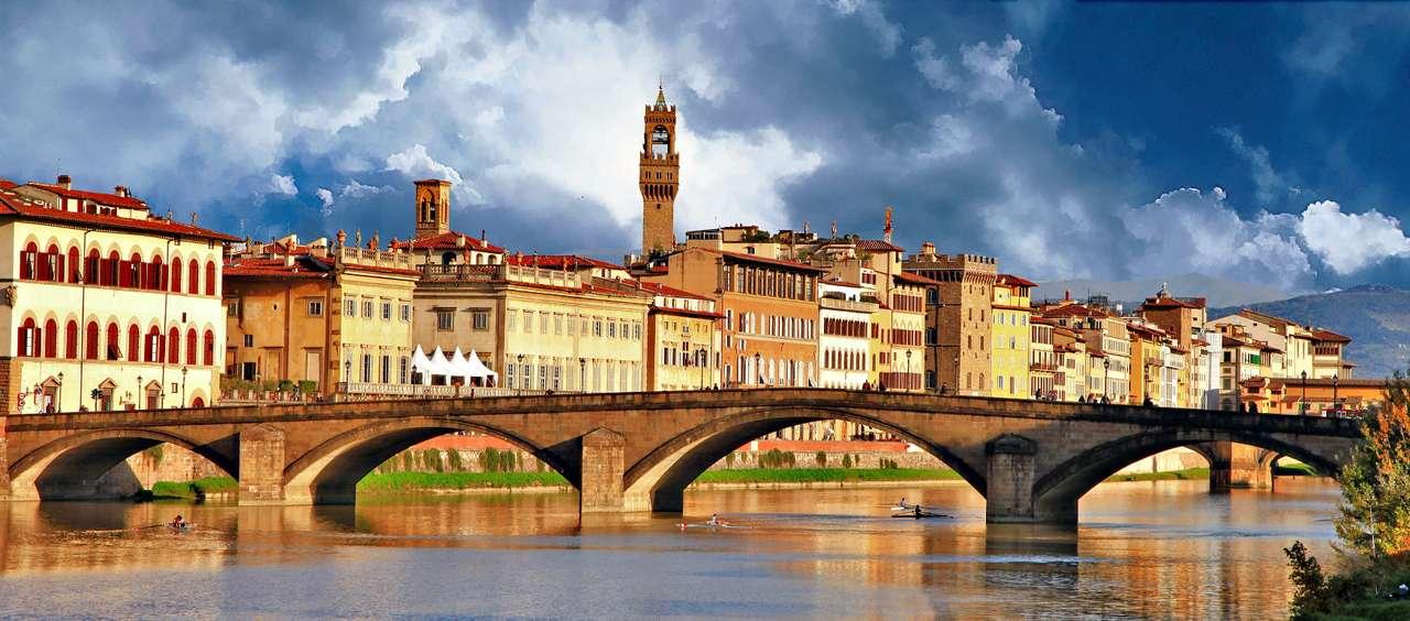 Florencja (Włochy) - Florencja to włoskie miasto leżące u stóp Apeninów. Najprawdopodobniej pierwsze osady w tym miejscu należały do Etrusków, od 1 wieku p. n. e. miasto należało do Rzymian – znajdowała się (11×5)