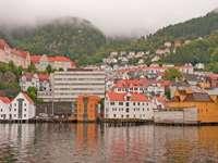 Jesienna panorama Bergen (Norwegia)