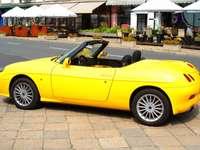 Żółty Fiat Barchetta puzzle online