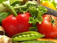 Zielone i czerwone warzywa