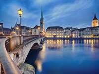 Wieczorna panorama Zurychu (Szwajcaria) puzzle