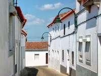 Uliczka w miejscowości Serpa (Portugalia)