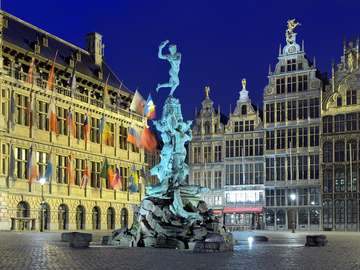 Fontanna Brabo w Antwerpii (Belgia)