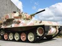 Lekki czołg rozpoznawczy FV101 Scorpion puzzle ze zdjęcia