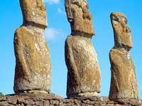 Posągi na Wyspie Wielkanocnej (Chile)