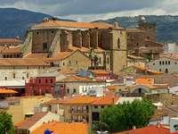 Widok na Nową Katedrę w Plasencii (Hiszpania)