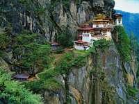 Klasztor Taktshang (Bhutan) puzzle ze zdjęcia