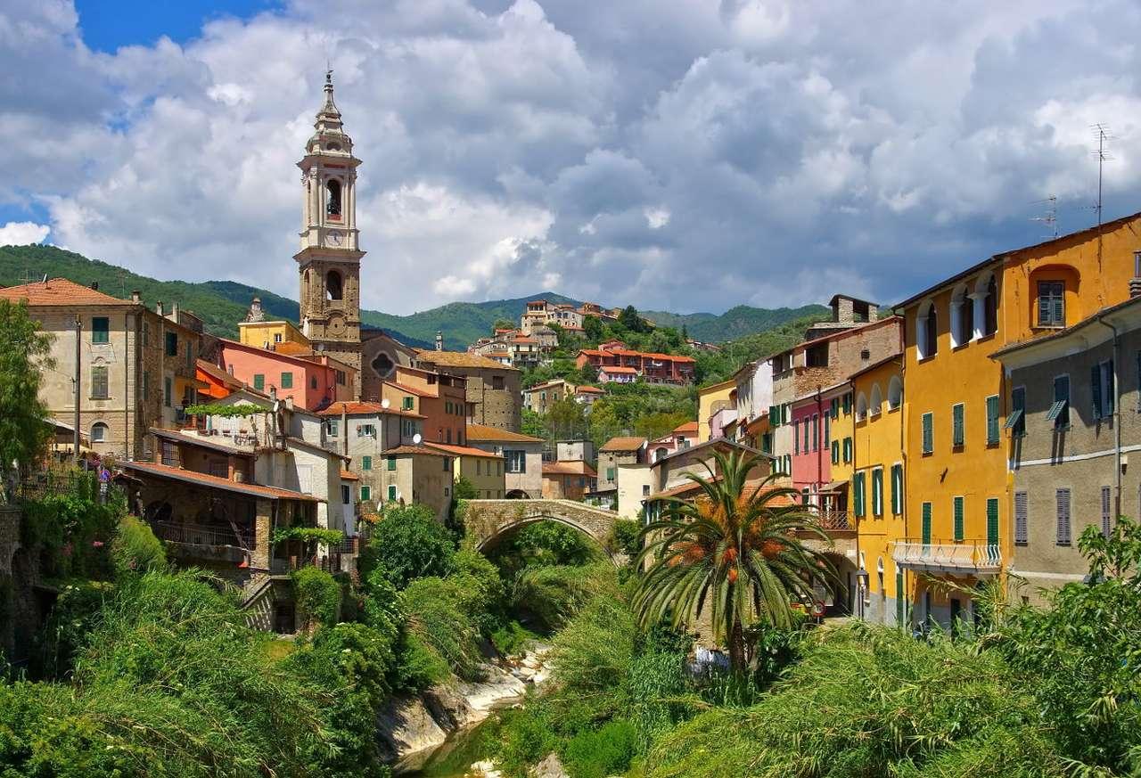 Dolcedo (Włochy) - We włoskiej Ligurii, w prowincji Imperia znajduje się miejscowość Dolcedo. W plątaninie wąskich uliczek łatwo znaleźć lokalną knajpkę lub sklep z pamiątkami. Okolicę porastają liczne gaj (8×6)