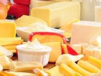 Różne rodzaje żółtego sera