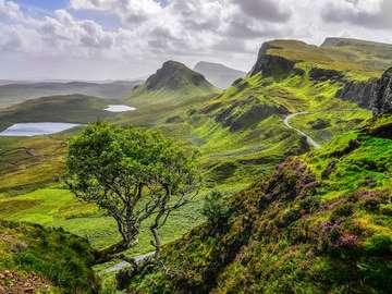 Wzgórze Quiraing na wyspie Skye (Wielka Brytania)