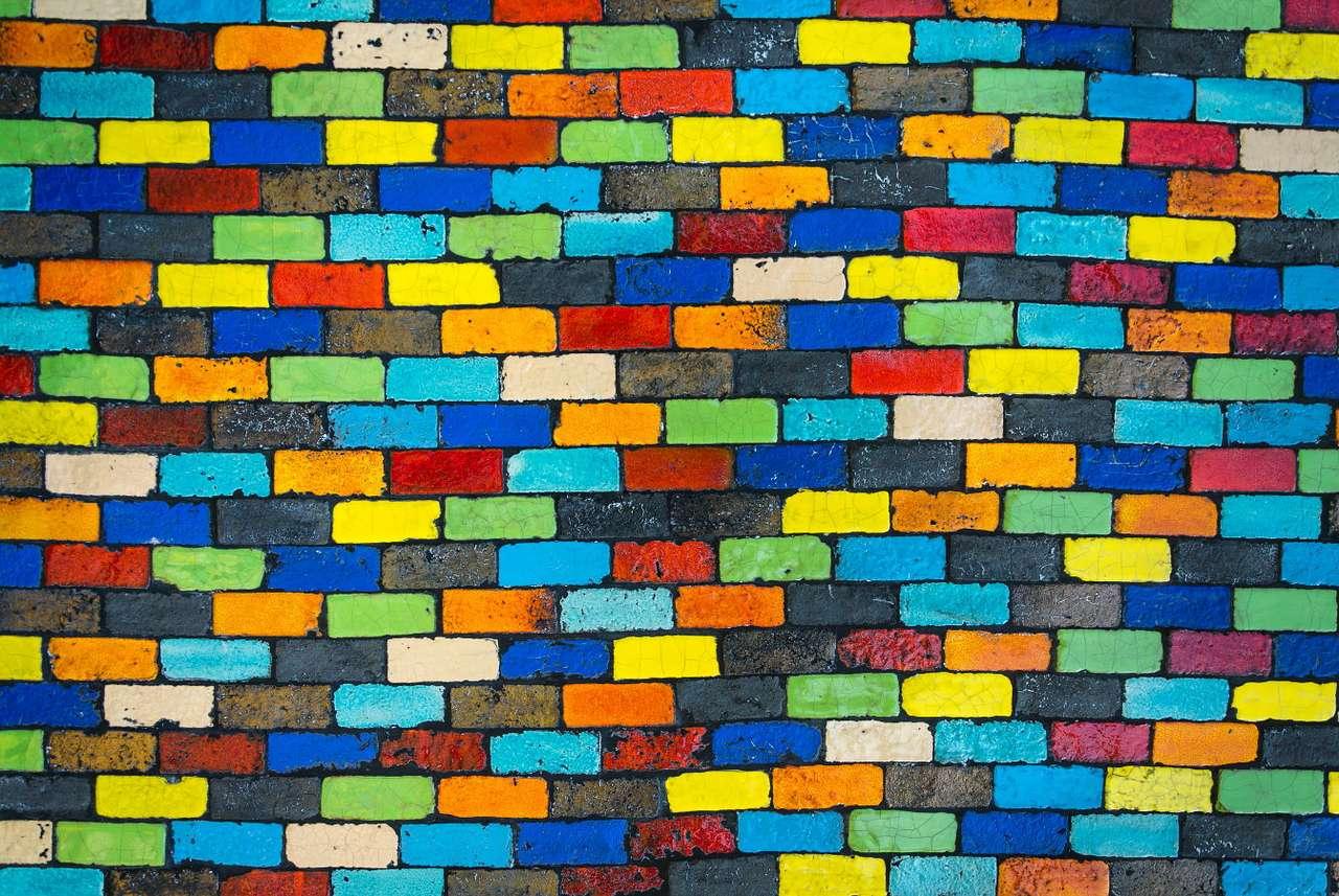 Pomalowane cegły - Cegła to popularny, zwykle prostopadłościenny materiał budowlany wykonany z surowców mineralnych, takich jak np. wypalana glina czy wapno. Od starożytności znajduje szerokie zastosowanie w budo (16×12)