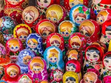 Stragan z matrioszkami w Trokach (Litwa)