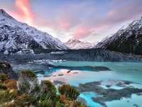 Zachód słońca nad lodowcem Mueller (Nowa Zelandia)