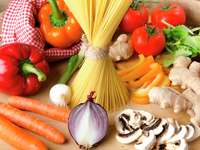 Makaron i warzywa do przyrządzenia spaghetti puzzle online
