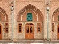 Odnowiony karawanseraj w Teheranie (Iran)