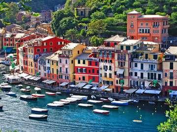 Kolorowe domy w Portofino (Włochy)