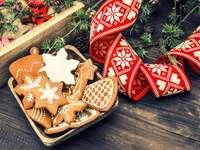 Świąteczne dekoracje i pierniczki