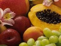 Owoce tropikalne.
