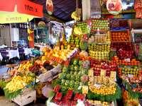 Stambulski bazar owocowy