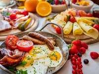 Późne śniadanie