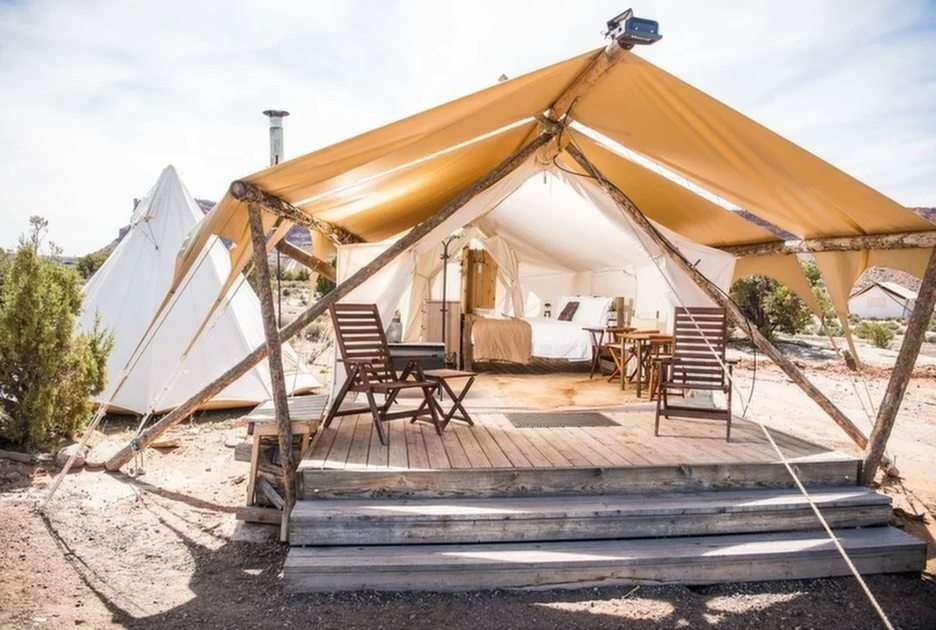 Obóz pod płótnem