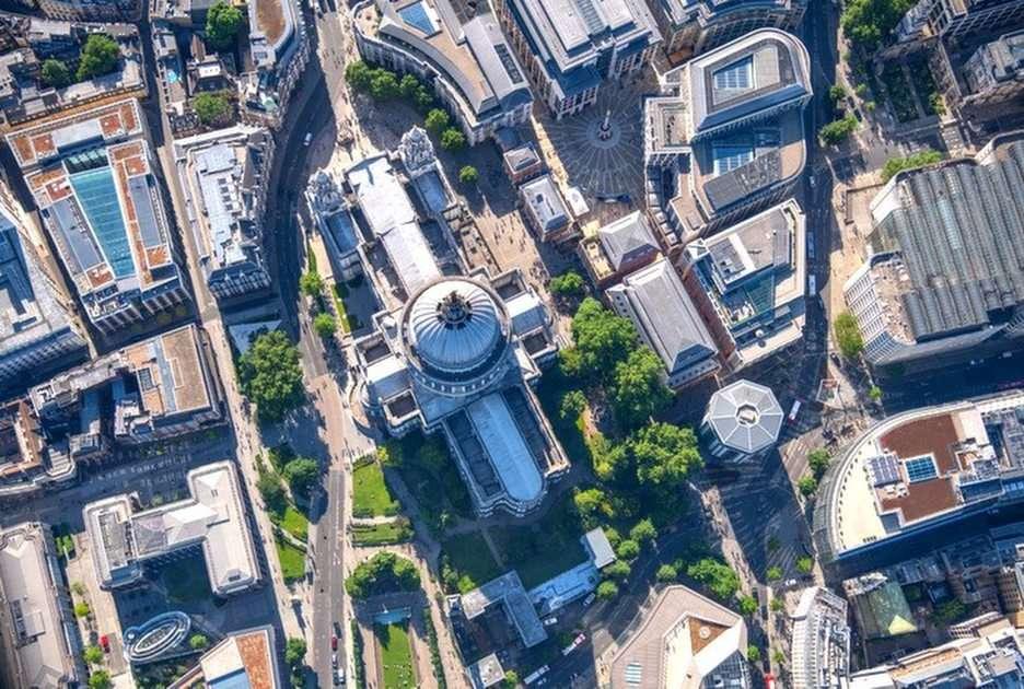 londyn z samolotu