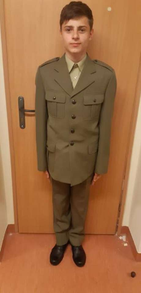 karol w mundurze