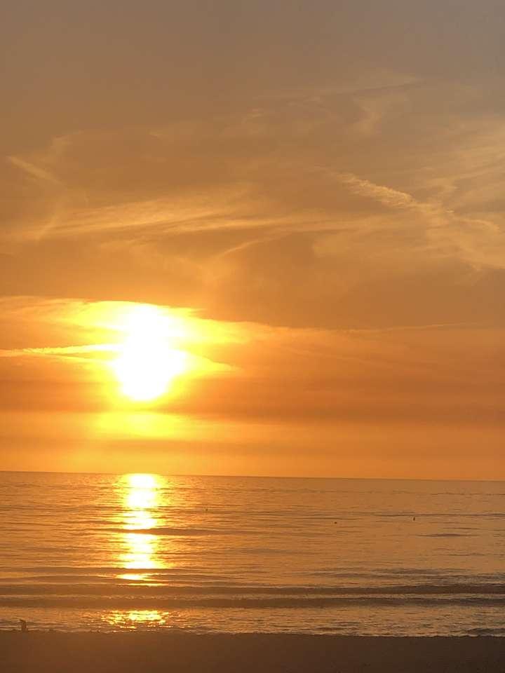 Piękny zachód słońca puzzle ze zdjęcia